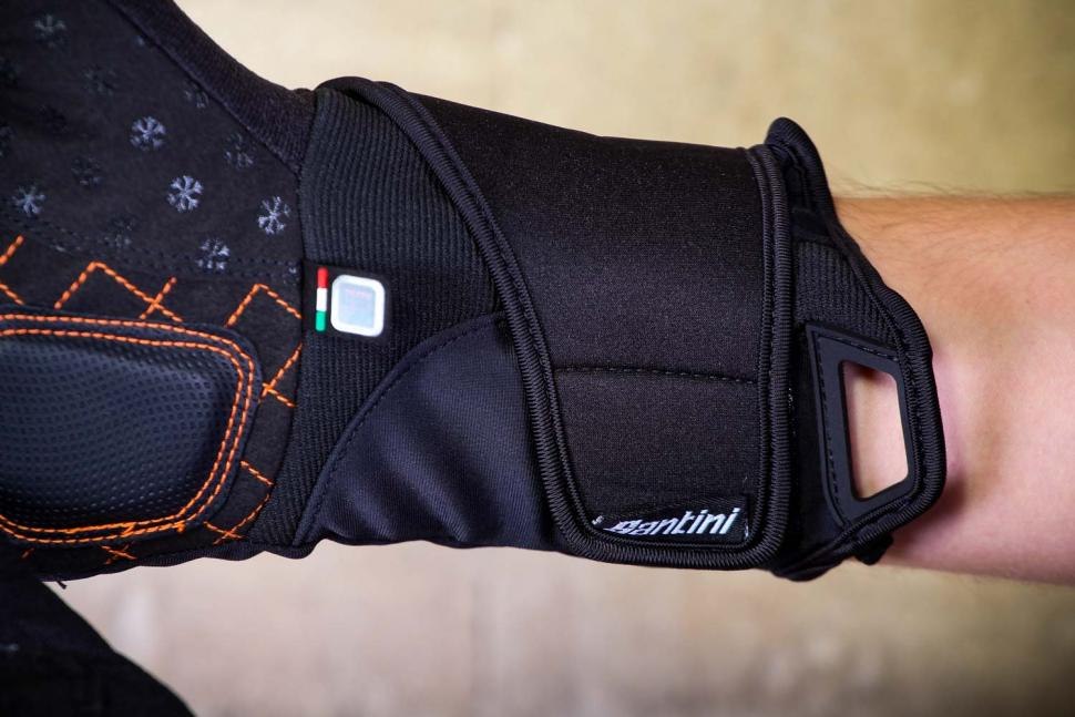 Santini 365 Win Fiord Long Finger Glove - cuff.jpg