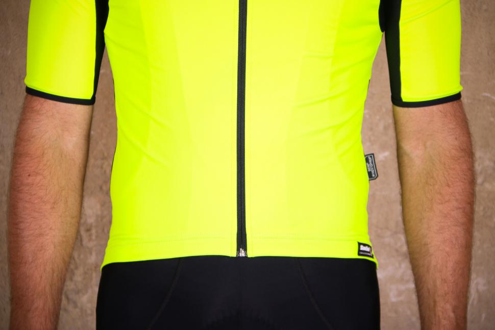 Santini Beta Light Short Sleeve Wind Jersey - hem.jpg