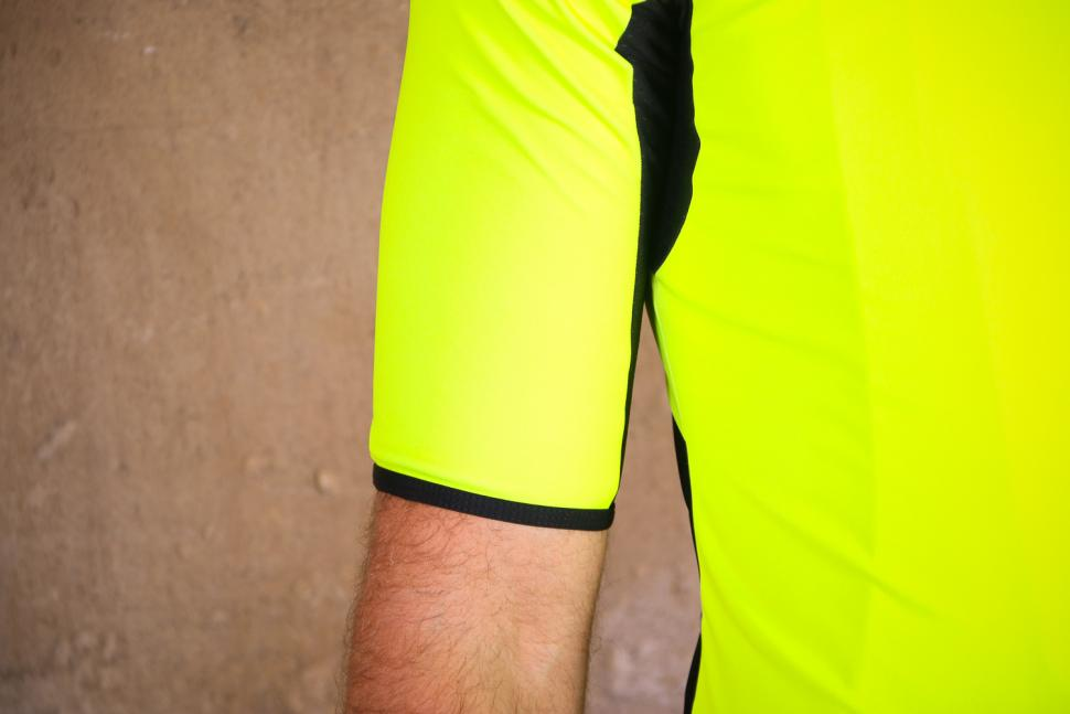 Santini Beta Light Short Sleeve Wind Jersey - sleeve.jpg