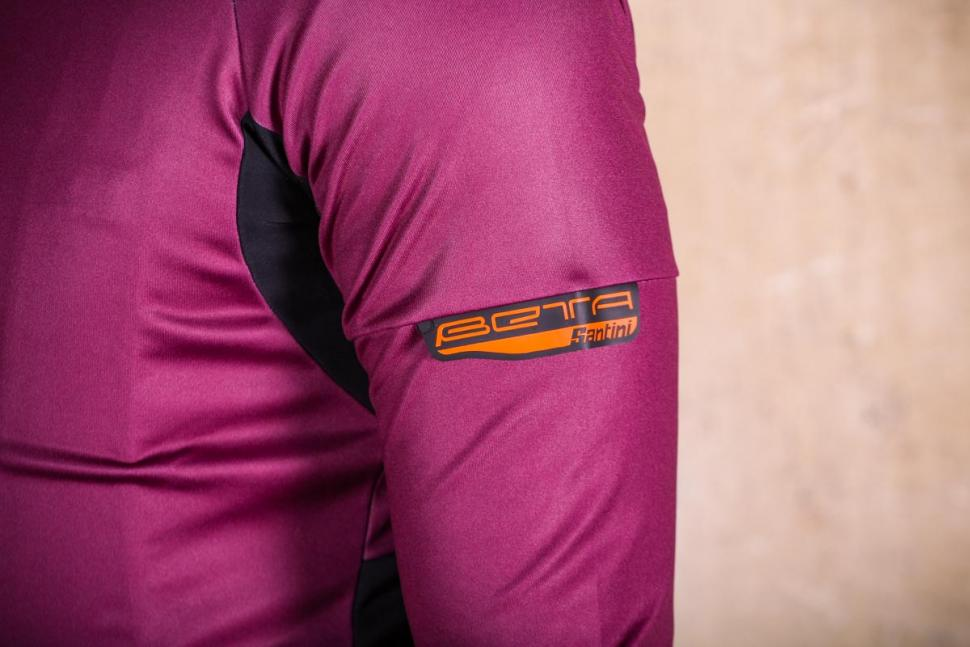 Santini Beta Rain Jacket - sleeve detail.jpg