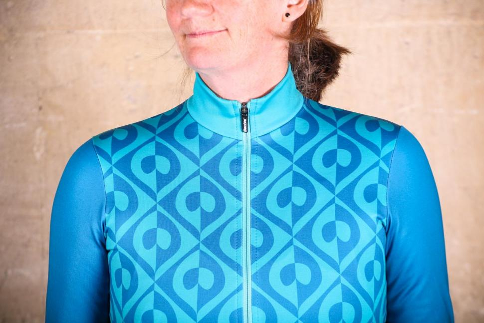 Santini Coral Thermal Jersey - chest.jpg