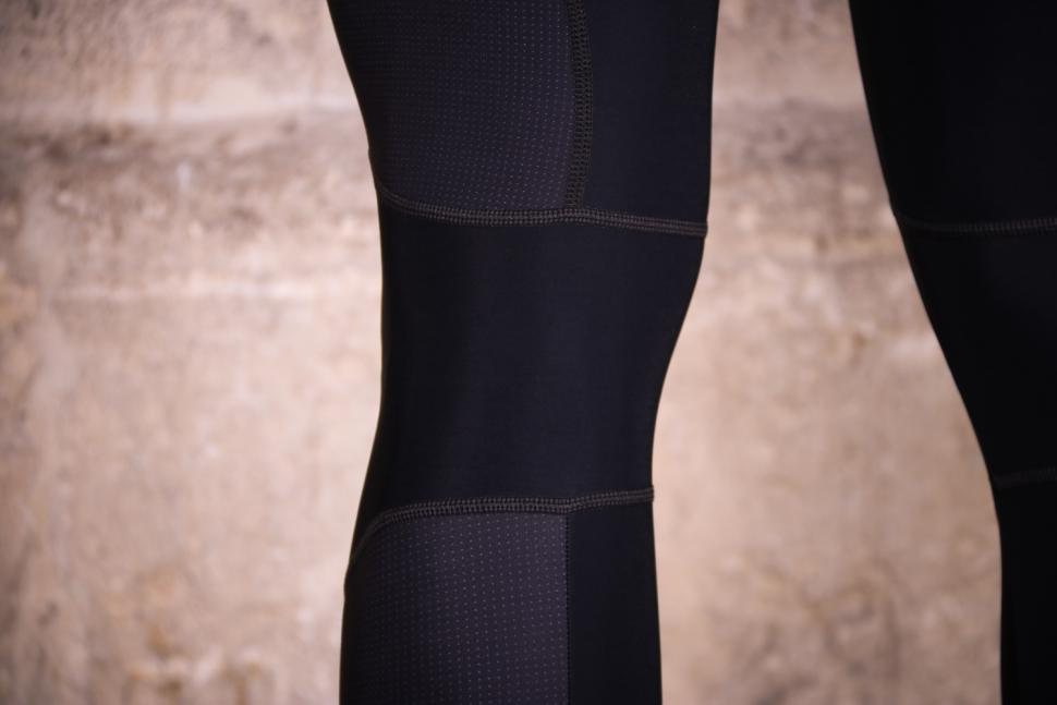 Santini MY Ego GIT Pad Bib Tight - knee detail.jpg