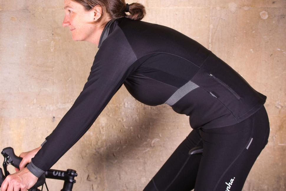 Santini Passo Jacket - riding.jpg