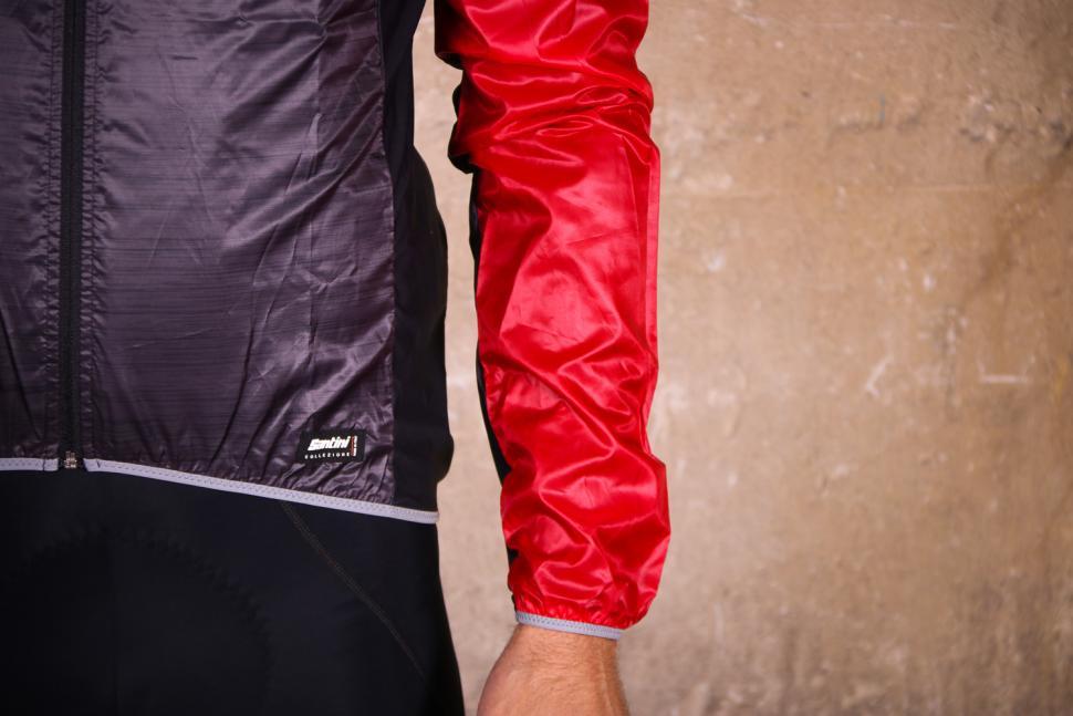 Santini Skin Windbreaker - sleeve.jpg
