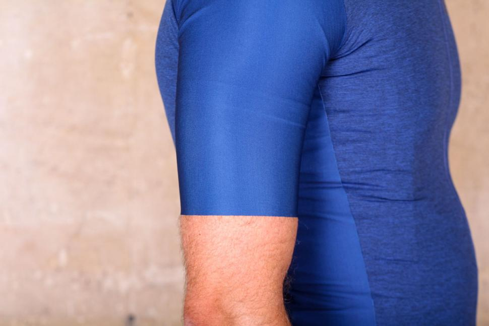 santini_365_classe_ss_jersey_-_sleeve.jpg