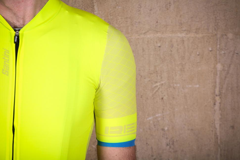 santini_redux_short_sleeve_jersey_-_sleeve.jpg