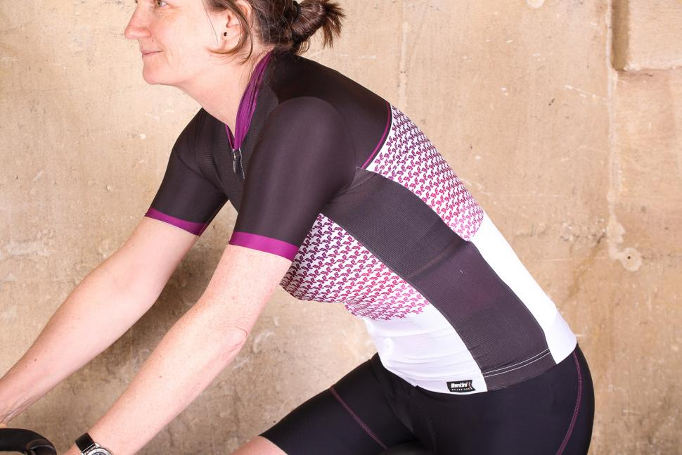 santini_womens_volo_short_sleeve_jersey_-_riding.jpg