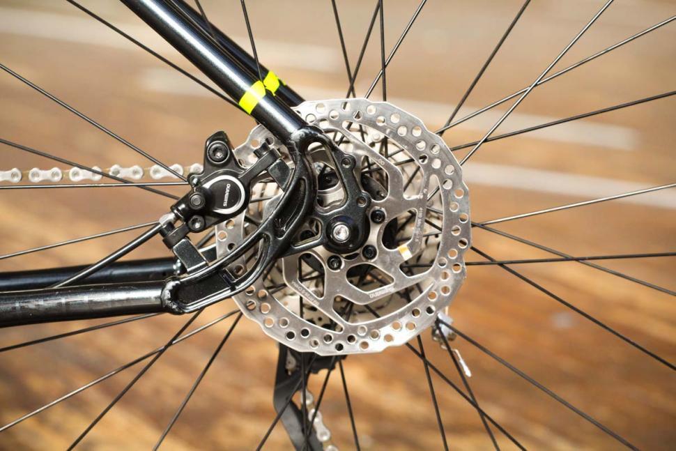 Saracen Urban Cross 3 - rear disc brake.jpg