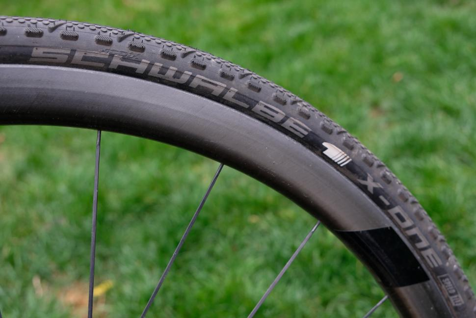 26 x 1.35 inch road tyres bike