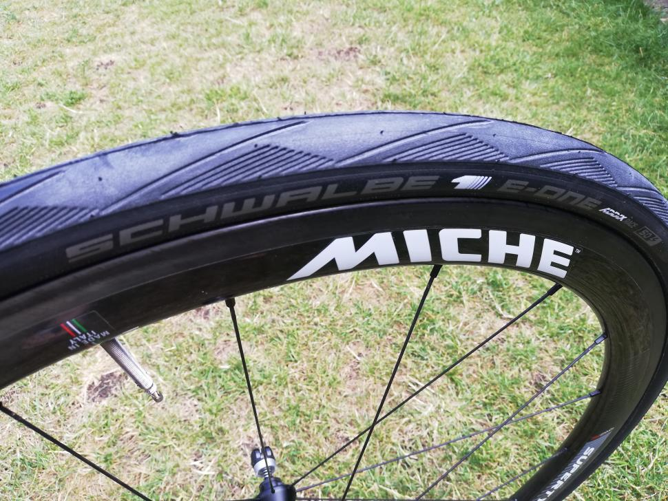 Schwalbe_E_One_fitted_1.jpg