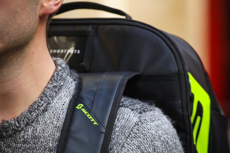 Scott Race Day 60 backpack - strap detail.jpg