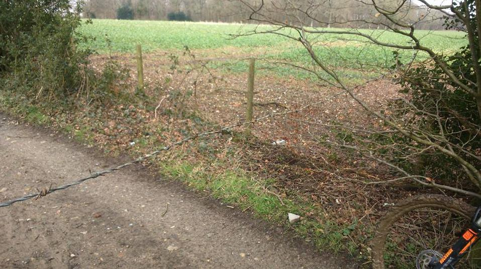 Barbed wire on bike path Kent2