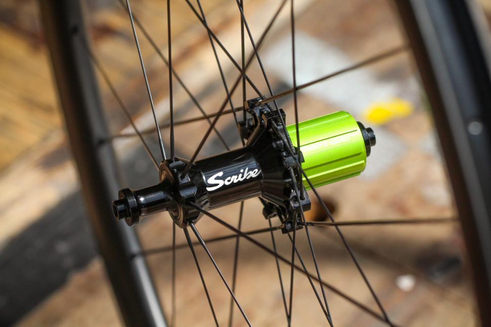 Scribe Aero Wide 38 wheels - rear hub 2.jpg
