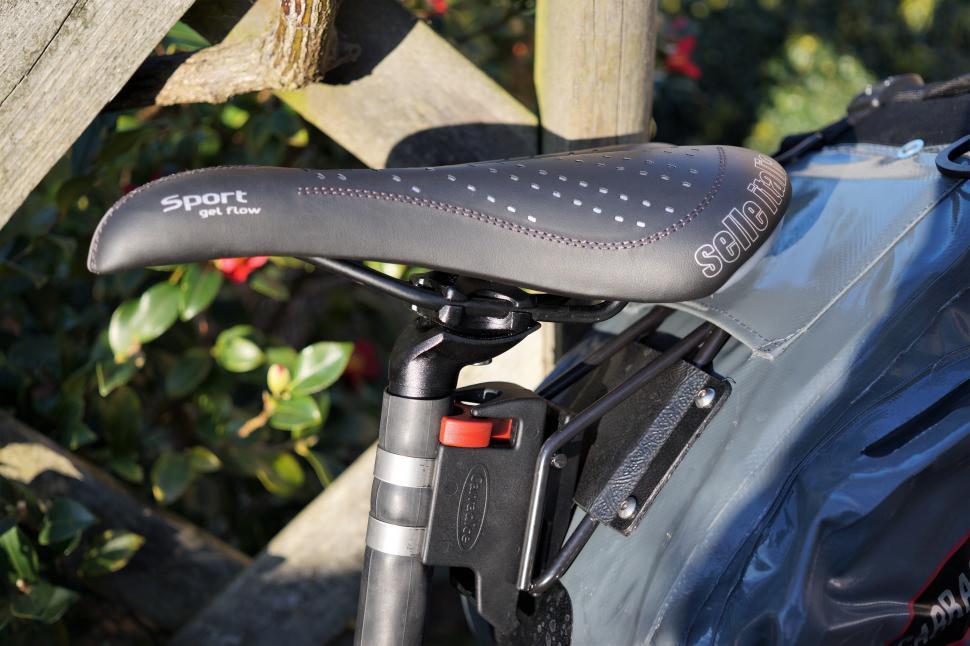 Selle Italia Bicycle Cycle Bike ST5 Saddle Black