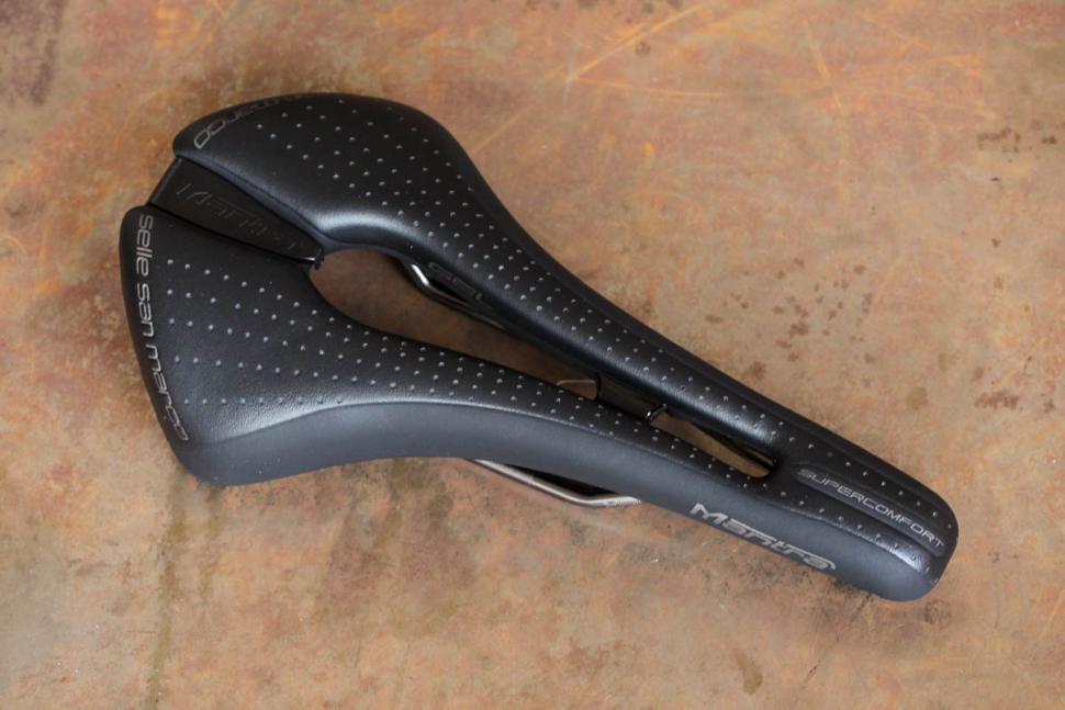 selle_san_marco_mantra_supercomfort_racing_saddle_-_top.jpg