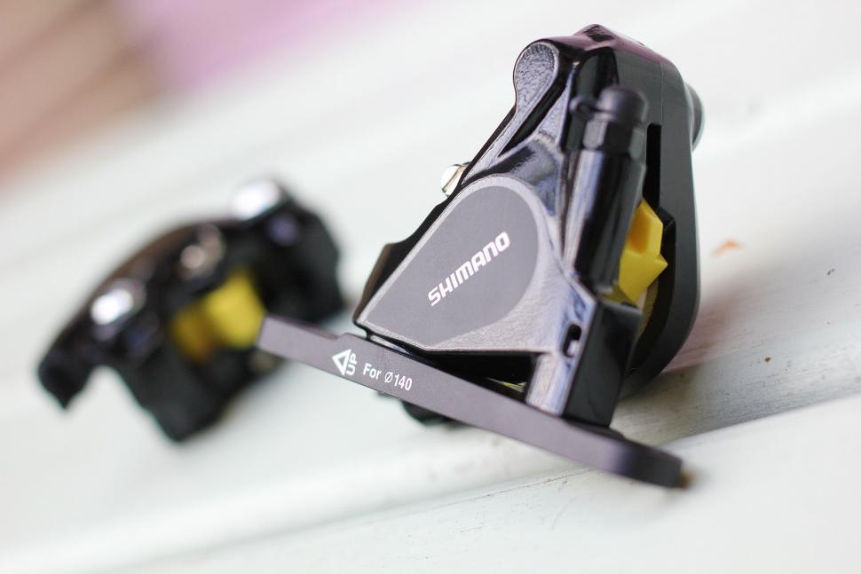 Shimano 105 hydraulic - callipers 2.jpg