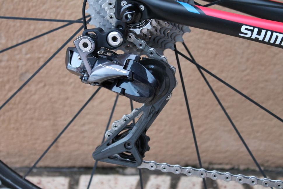 The electronically-controlled derailleur