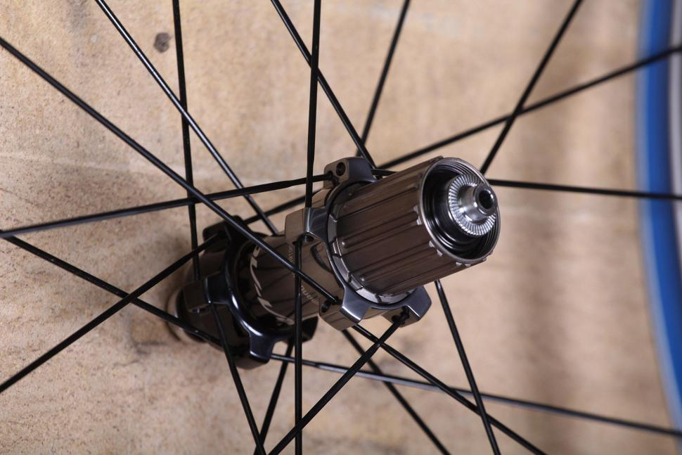 Shimano Dura Ace C24 Carbon Clincher wheelset - rear hub.jpg