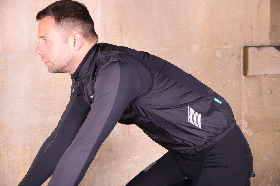 Shimano Mens Compact Wind vest - riding.jpg