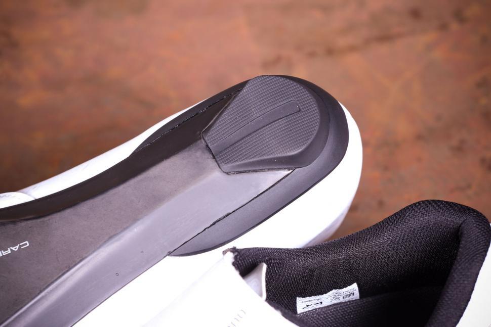 Shimano RC7 - sole heel.jpg
