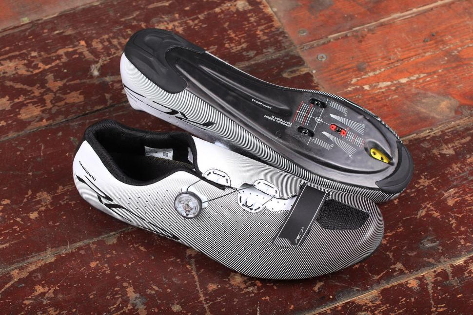 f7199adfe35 Review  Shimano RC7 SPD-SL shoes