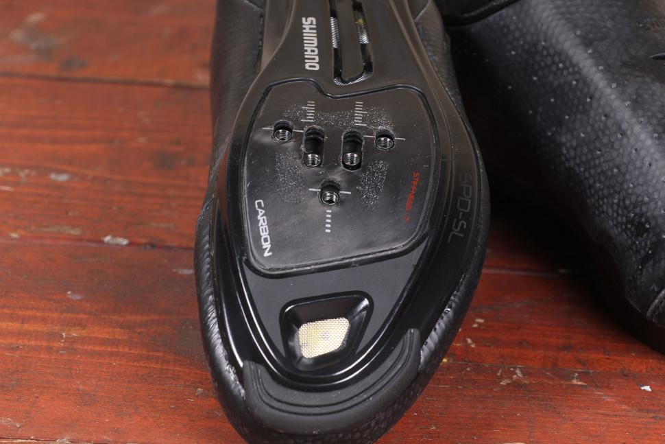 Shimano RP500 road shoe - sole toe.jpg