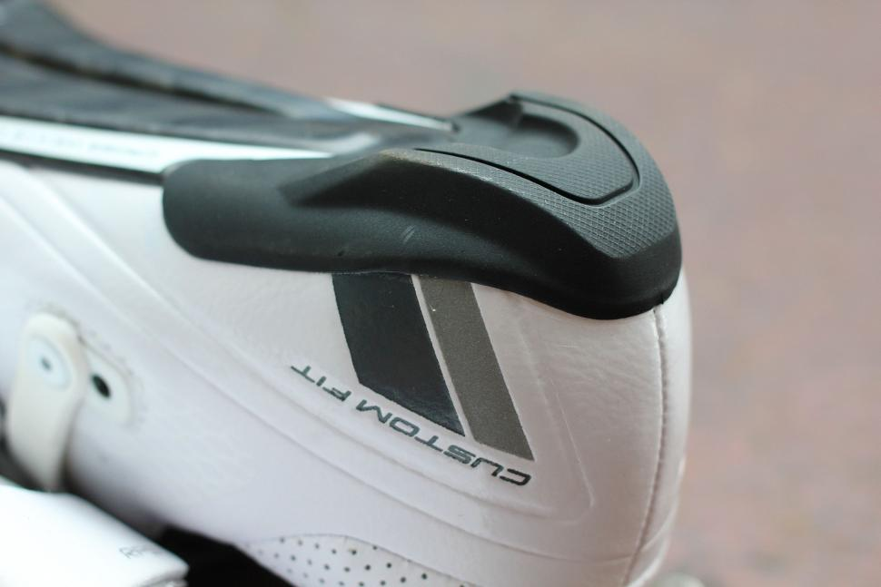 Shimano RP900 shoe - heel.jpg