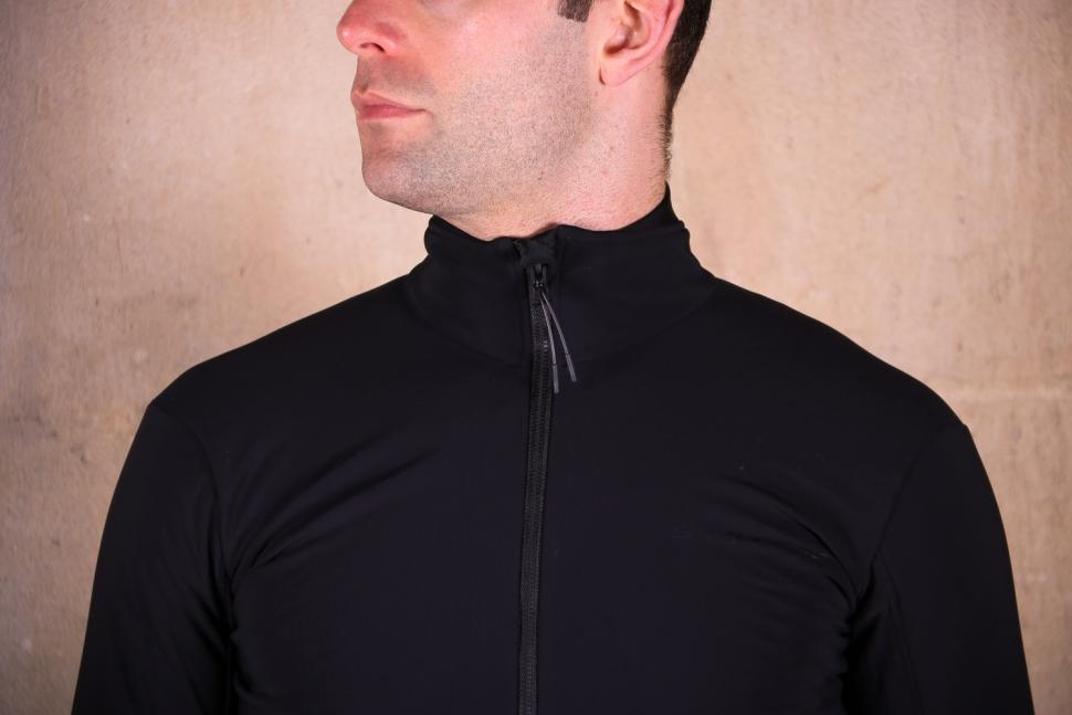 Shimano S-Phyre Windresistant Jersey - collar.jpg