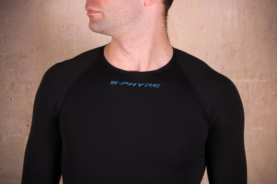 Shimano S-Phyre Winter Baselayer - detail.jpg