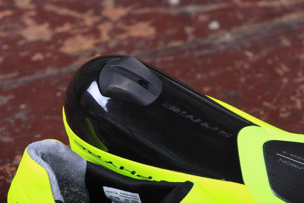 Shimano Shoe SPD-SL RC9 S-Phyre - sole heel.jpg