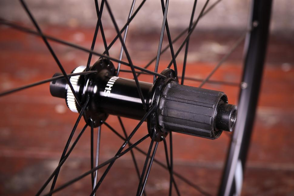 Shimano WH-RS170 Clincher wheelset - rear hub.jpg