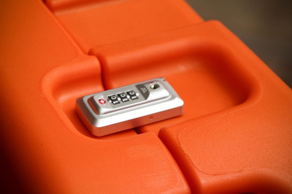 shokbox_orange_premium_-_locking_clip.jpg