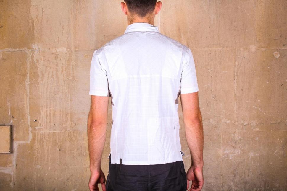 showers_pass_mens_scout_shirt_short_sleeve_-_back.jpg