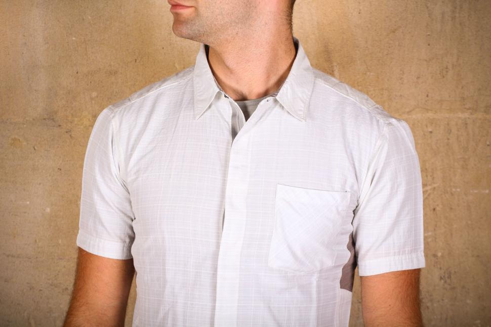 showers_pass_mens_scout_shirt_short_sleeve_-_chest.jpg