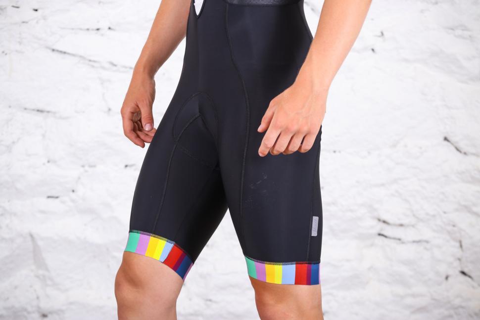 size Medium Gore Bike Wear Element 3//4 length Bib Tights Brand New RRP £75