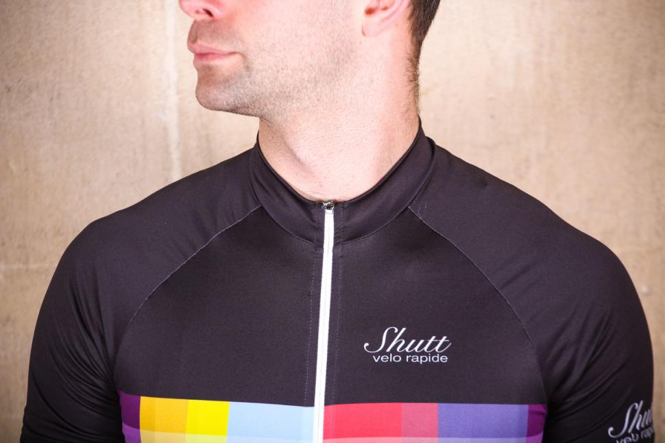 shutt_velo_rapide_elite_jersey_-_chest.jpg