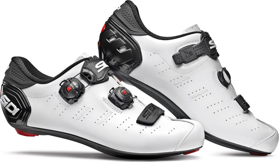 Standard Sidi shoes are based on a D width foot. Sidi offers what it calls a 'Mega' fit too, which is an EE to EEE width. It's 4mm wider across the ball ...