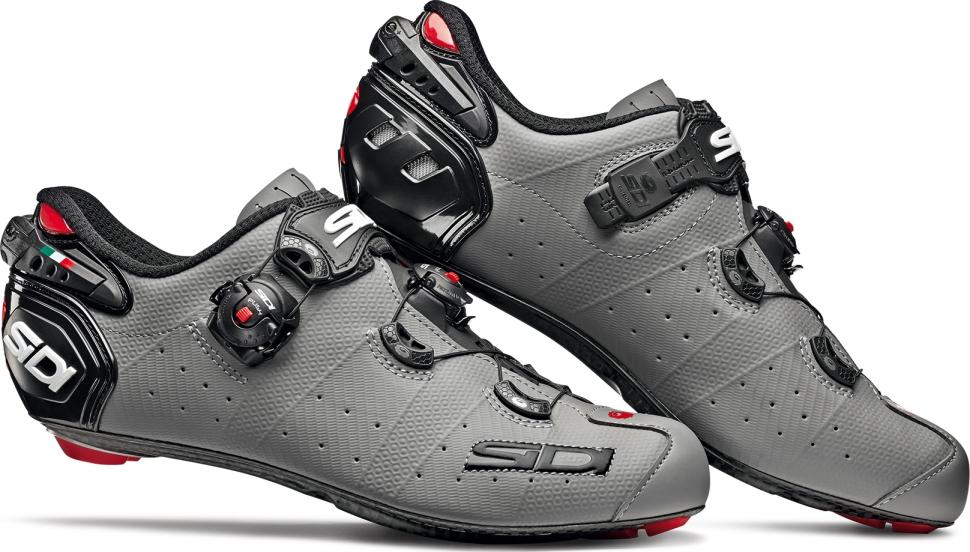 3a7ced7b29bb Sidi s latest shoes use a pair of Tecno 3 buckles