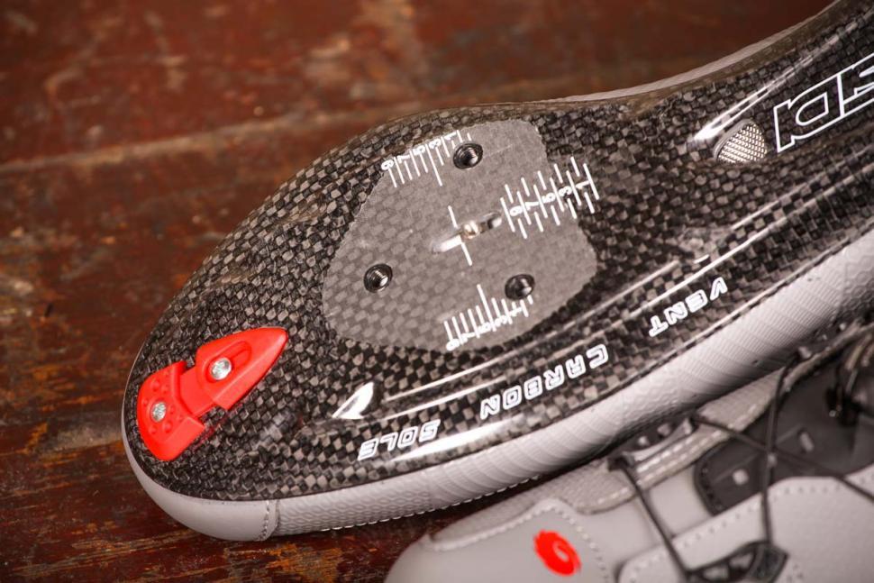 sidi_wire_2_matt_carbon_shoes_-_sole_toe.jpg