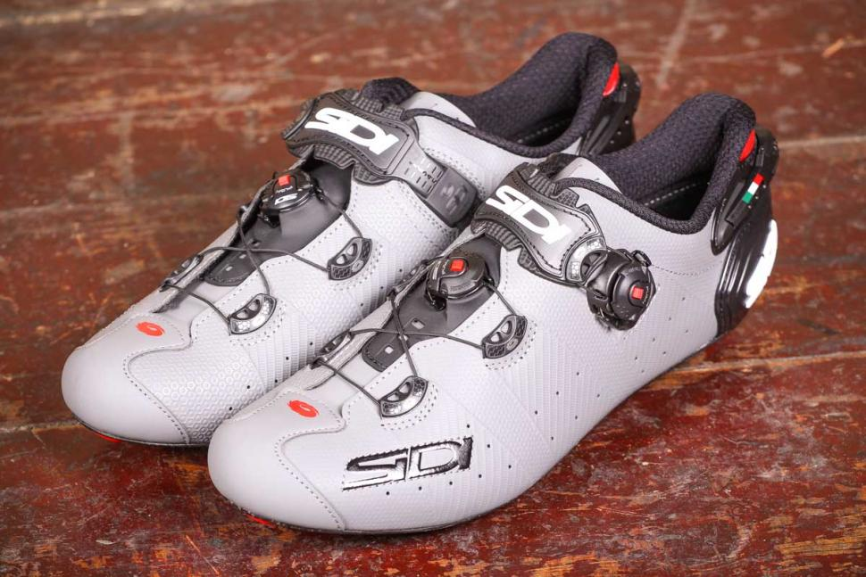 sidi_wire_2_matt_carbon_shoes_2.jpg
