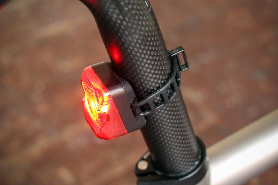 Sigma Nugget Flash Rear Light - side.jpg