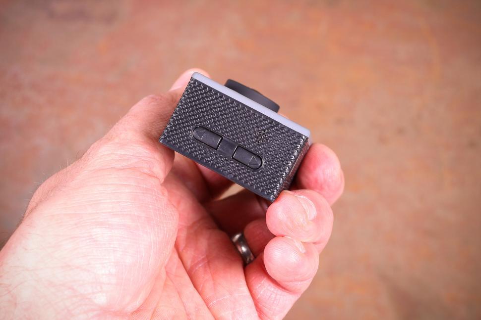 Silver Label Focus Action Cam 4k - side buttons.jpg