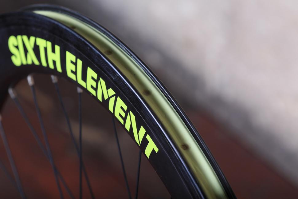 Sixth Element SE25 Cross-Gravel wheelset - rim bed.jpg