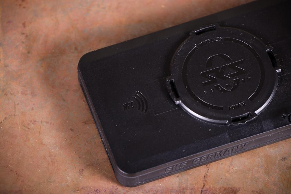 SKS Compit+ Smartphone with +ComUnit Wireless Charging Station - NFC logo.jpg