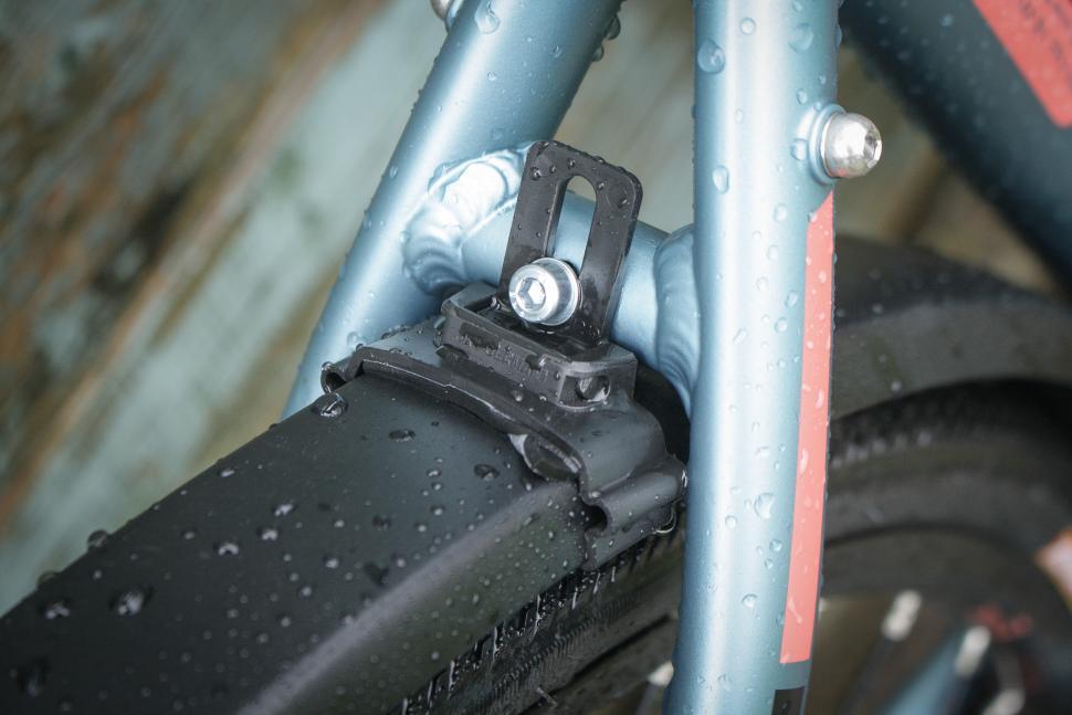 SKS Edge Matt Black Aluminium Mudguard - bridge mount.jpg