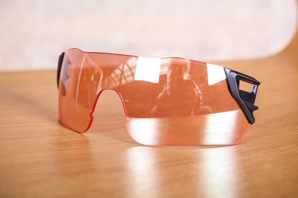 2bfcdd17ed SMITH Attack Sunglasses - extra lenses 2.jpg