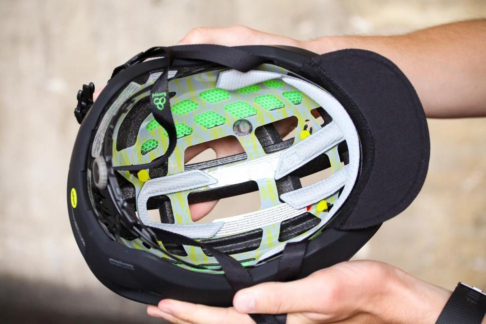 smith_network_helmet_-_inside