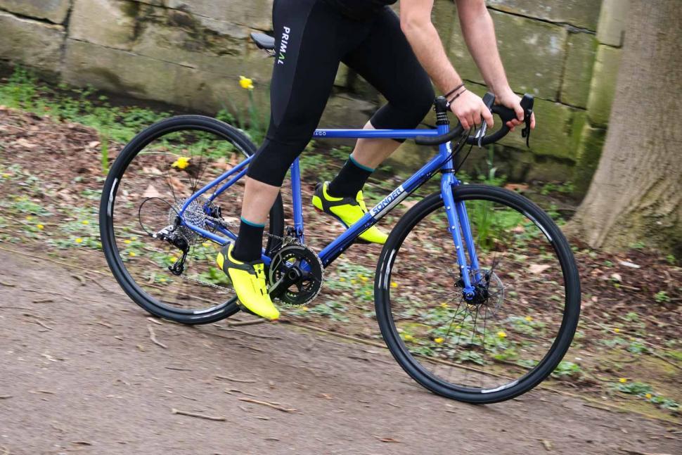 Sonder Santiago Rival22 Hydraulic - riding 3.jpg