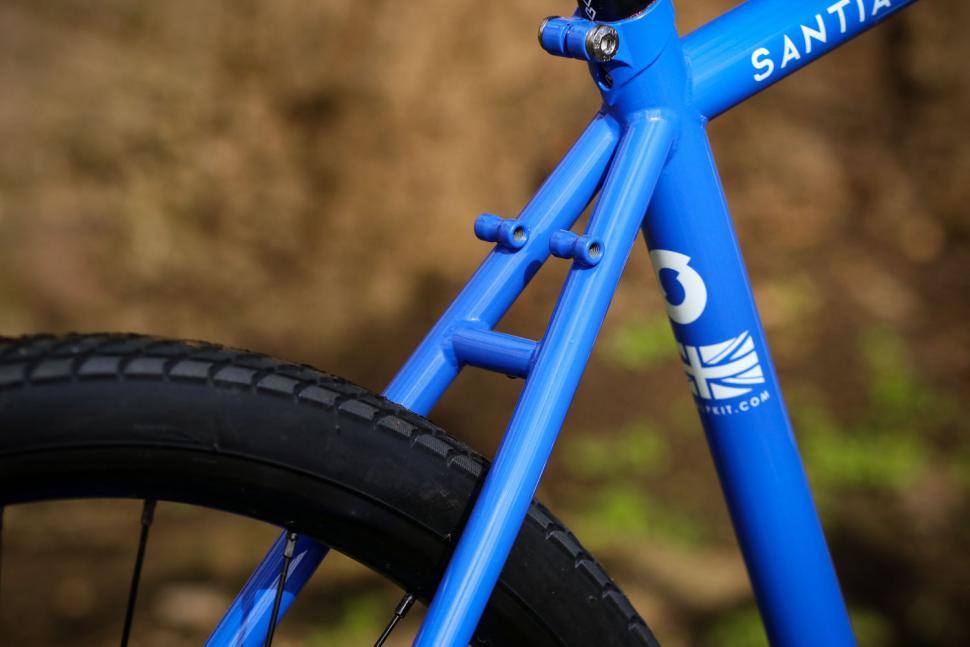 Sonder Santiago Rival22 Hydraulic - stays.jpg