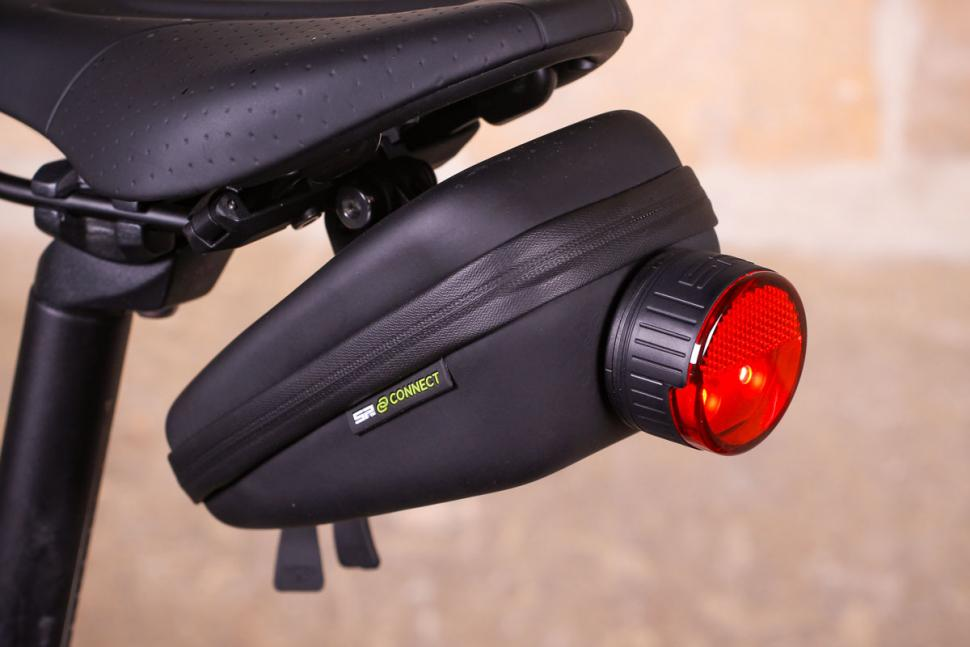 SP Connect Saddle Case Set - light mounted.jpg